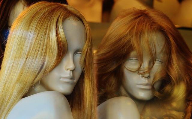 How to Highlight Your Own Hair